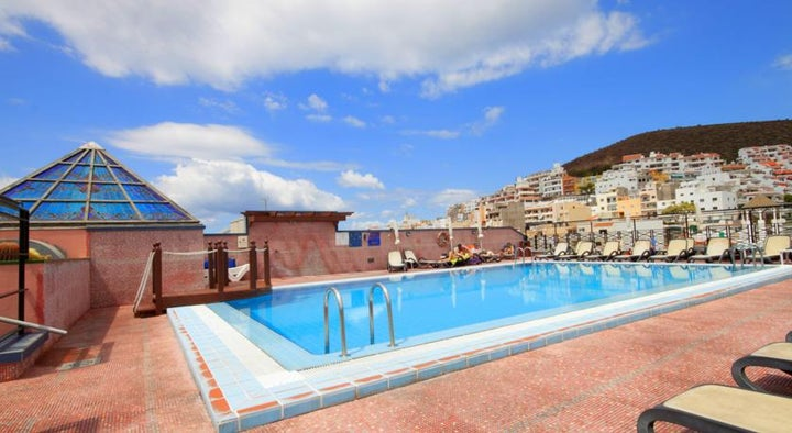 Reveron Plaza Hotel Image 3