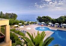 La Luna Island Hotel