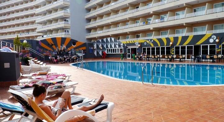 Barracuda Hotel Image 0