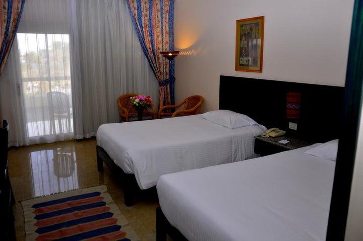 Palm Beach Resort Image 4