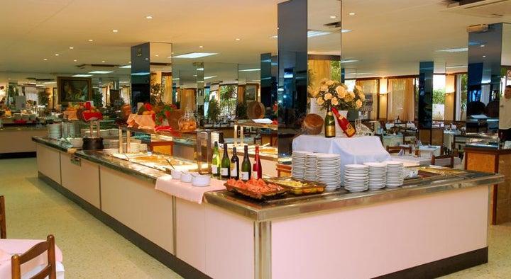 H.TOP Palm Beach Hotel Image 12