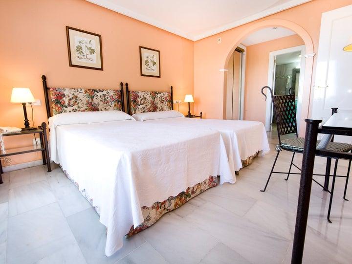 Monarque Sultan Aparthotel Image 2