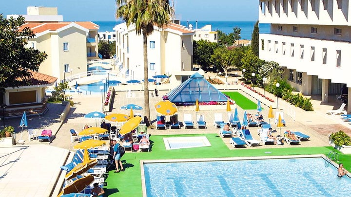Kissos Hotel Image 1