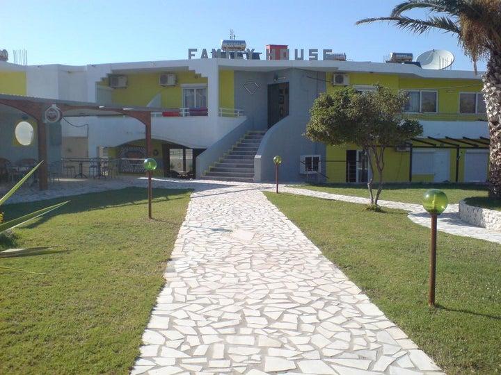 Family House Studios Image 8
