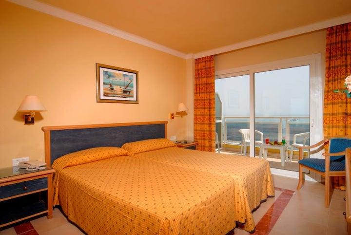 Las Arenas Hotel Image 36