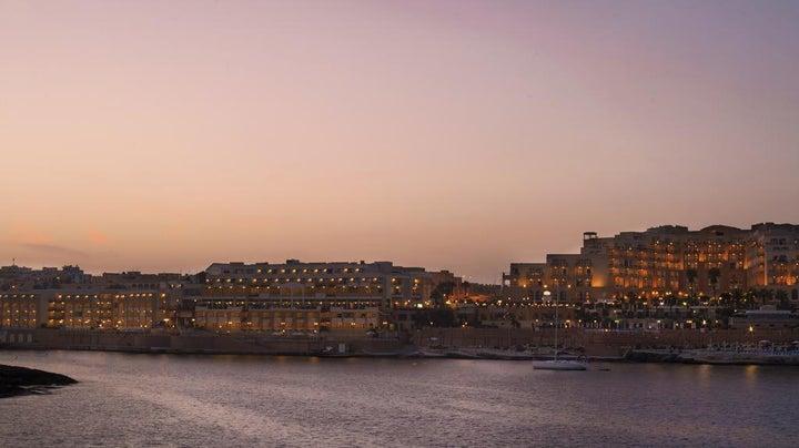 Marina Hotel Corinthia Beach Resort Image 41