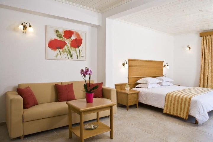 Yiannaki Hotel Image 7
