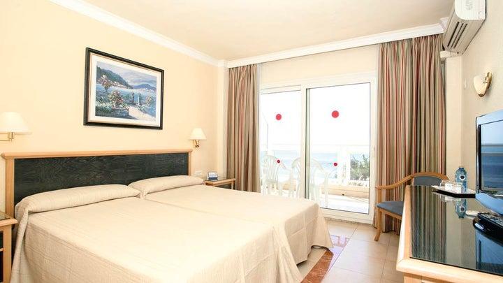 Las Arenas Hotel Image 4