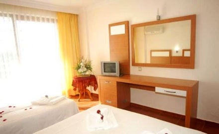 Royal Ideal Beach Hotel Image 8