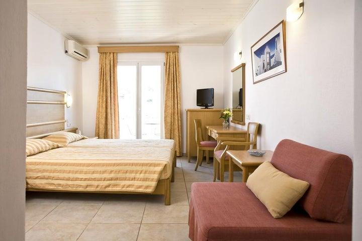 Yiannaki Hotel Image 18