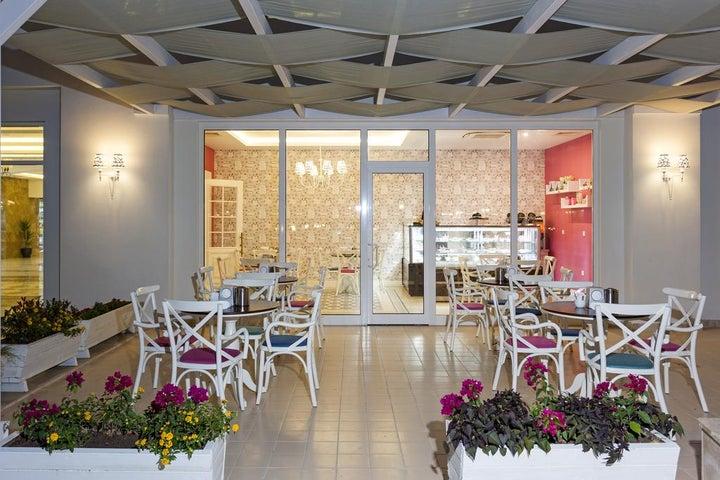 Karmir Resort And Spa Image 28