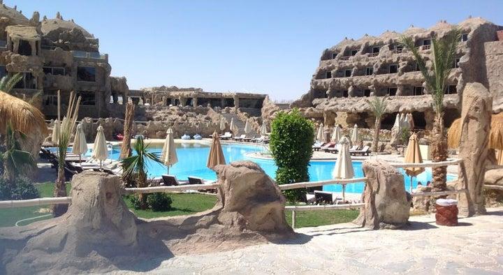 Caves Beach Resort Hurghada Image 15