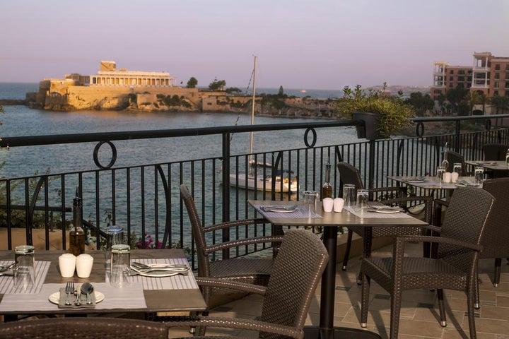 Marina Hotel Corinthia Beach Resort Image 26