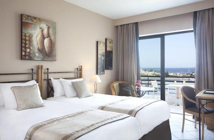 Marina Hotel Corinthia Beach Resort Image 3