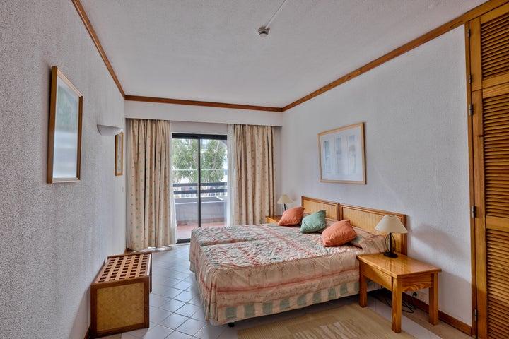 Muthu Oura Praia Hotel Apartments Image 6