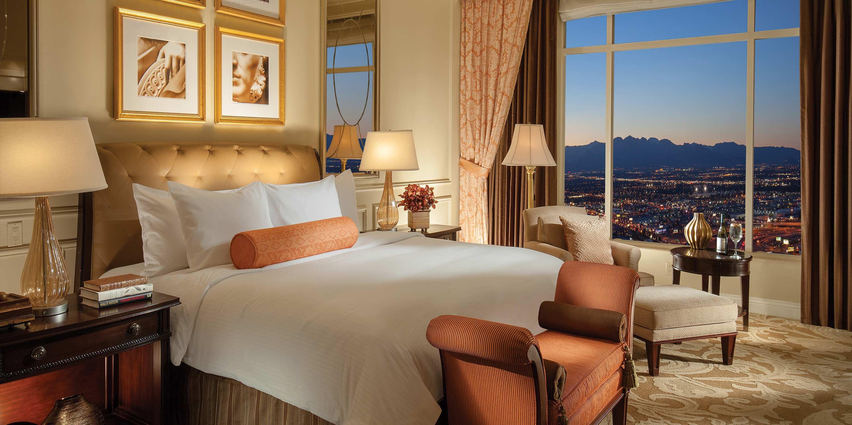 room living mandalay suite las bay hotel vegas sky view rooms en